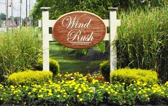 Home-sqaure-wind-rush-001